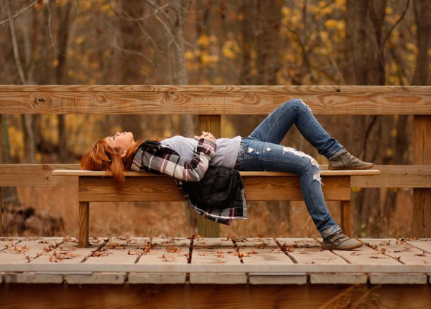 fall-people-girl-sleep-rest-stop