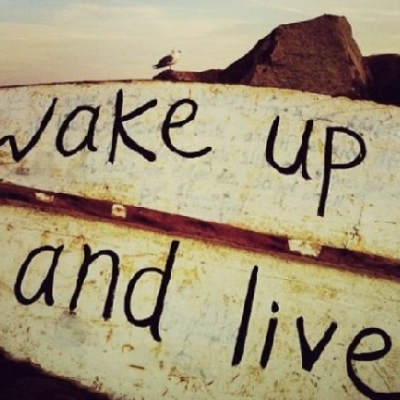 wake_up_and_live-9731